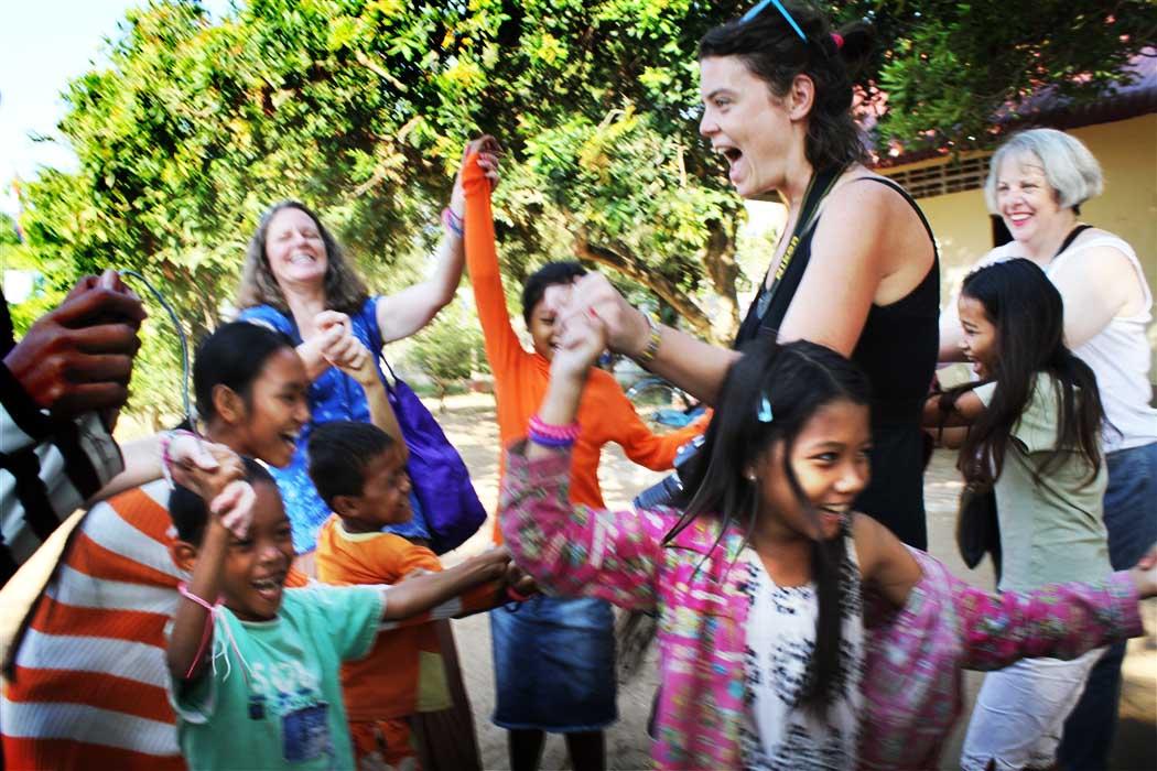 volunteer cambodia